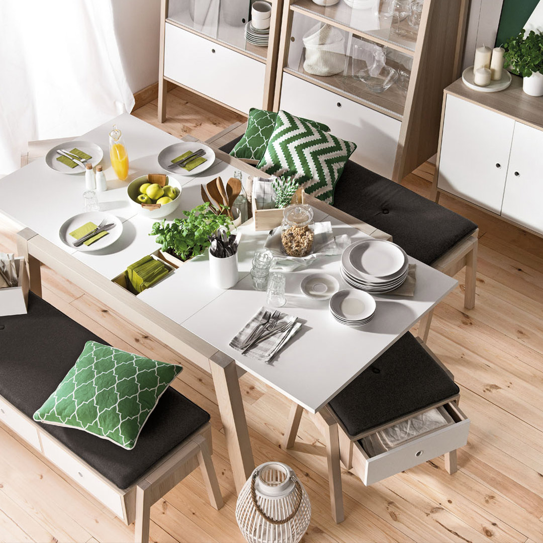 Spot Extendable Dining Table