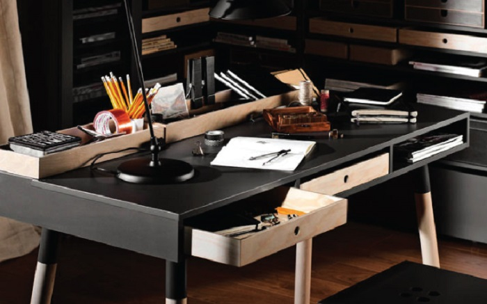 How to Create the Perfect Man Cave - Practical Desk